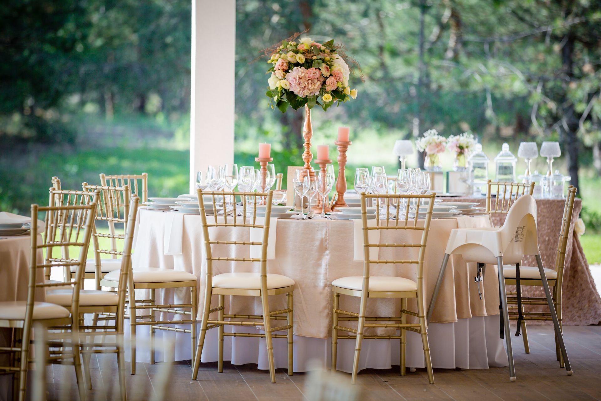 Pygmalion esküvői asztal dekoráció