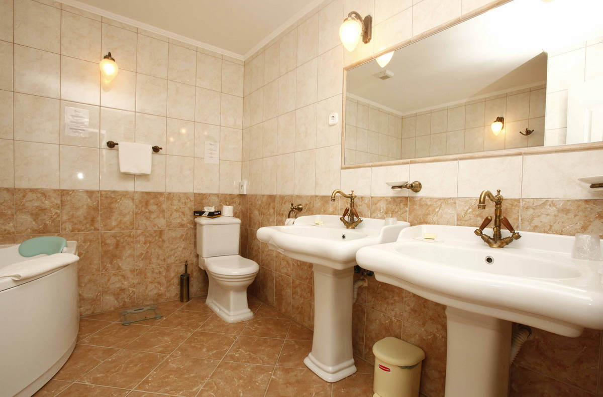 Klasszikus lakosztály fürdőszoba