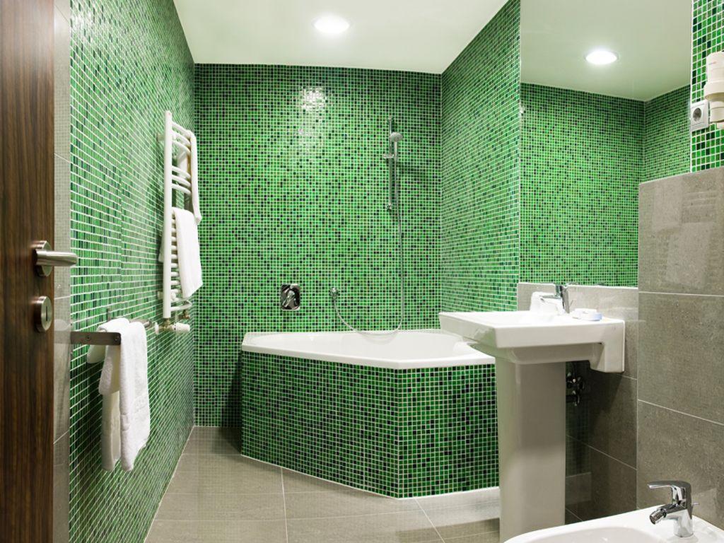 Modern lakosztály fürdő